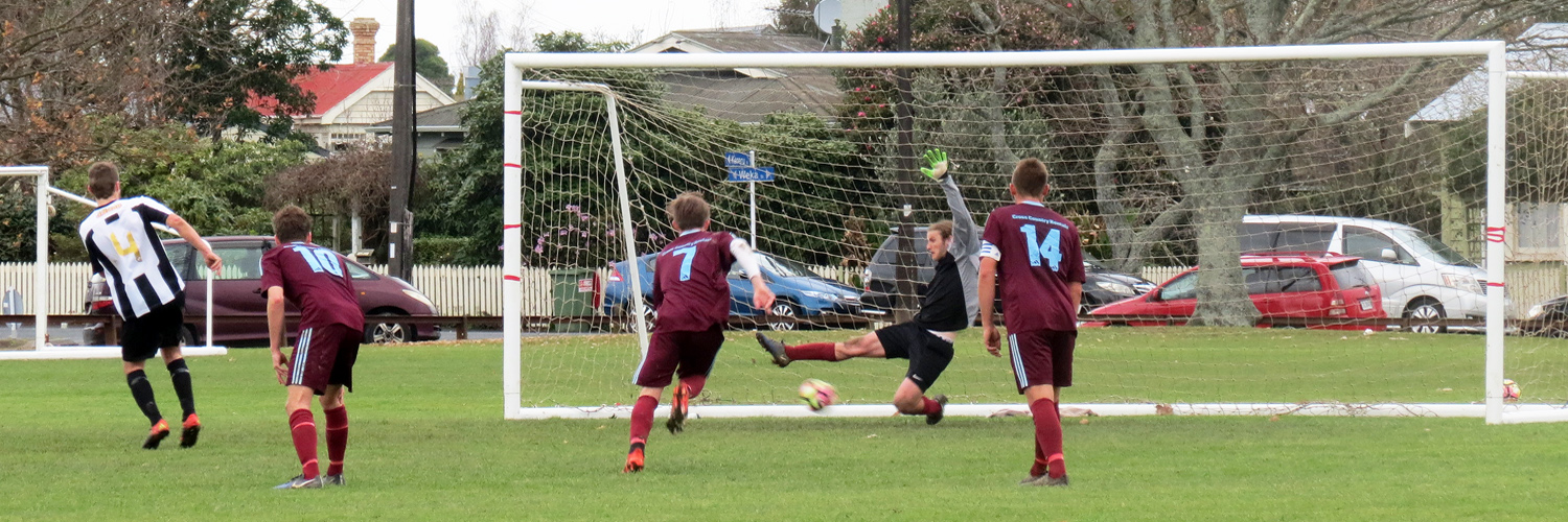 West Hamilton 3-4 Swifts